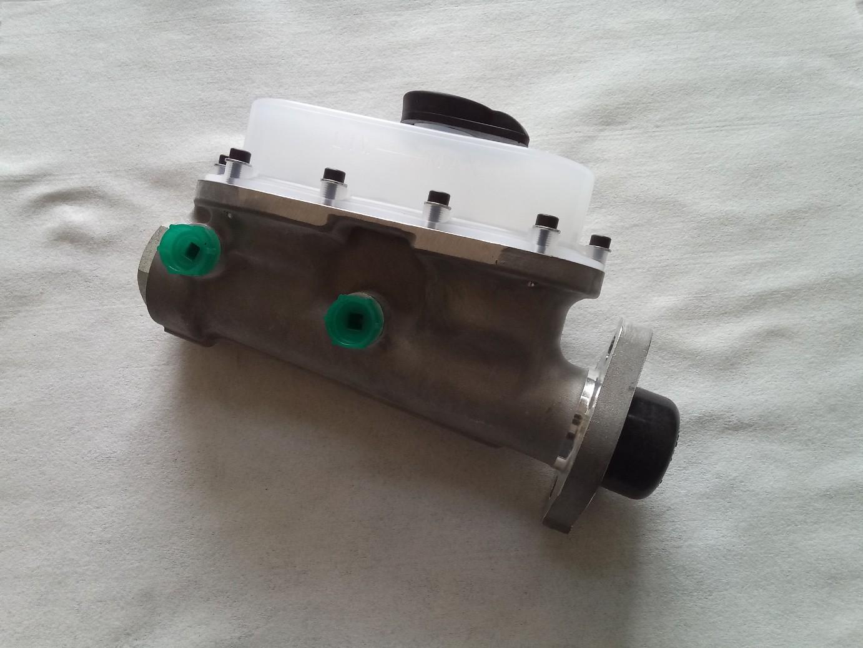 Pompa freno Lancia Fulvia diametro 19mm con vaschetta